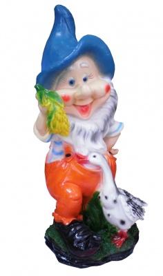 Гипсовая садовая фигурка Гном с гусем средний