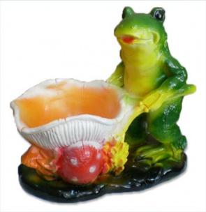 Лягушка с грибной тачкой