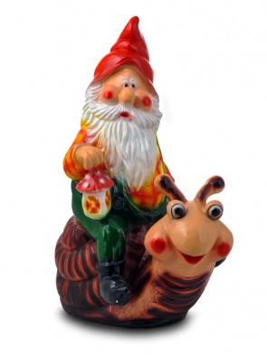 Гипсовая садовая фигурка Гном на улитке